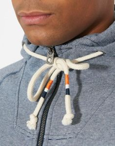 Detailed pull strings - Blue & Orange Detail.