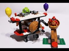 Angry Birds LEGO set featured in this video: Piggy plane attack Pilot Pig has taken off from Bird Island with 4 eggs in his plane and is making his escape. Motion Video, Stop Motion, Lego Duplo Sets, Frozen Sisters, Disney Princess Frozen, Lego Toys, Bird Toys, Angry Birds, Plane