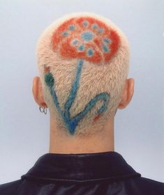 Buzzed hair art with flower Hair Inspo, Hair Inspiration, Shaved Head Designs, Buzzed Hair, Shave My Head, Shaved Hair, Hair Art, Cut And Color, Pretty Hairstyles