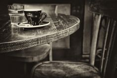 © Mis Lutier - Un café en Paris....