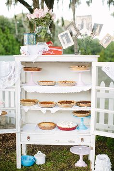 pie safe | Kt Crabb #wedding