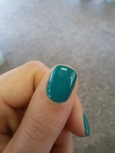 """CHIKI88...  my passion for nails!: Swatches: """"Emerald city"""" - Avon"""