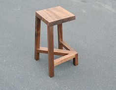 3 leg arrow stool #furniture_design