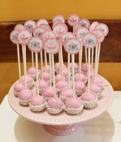 Princess Cake Pops by Violeta Glace 1st Birthdays, 1st Birthday Parties, Birthday Party Decorations, Party Centerpieces, Baby Shower Treats, Baby Shower Cake Pops, Cinderella Birthday, Princess Birthday, Elegant Cake Pops
