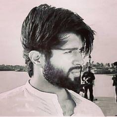 Instagram post by Rowdy  club • Nov 20, 2018 at 12:54pm UTC Allu Arjun Wallpapers, Beautiful Heroine, Vijay Actor, Movie Pic, Vijay Devarakonda, Actors Images, Beard Styles For Men, Poses For Men, Bollywood Actors