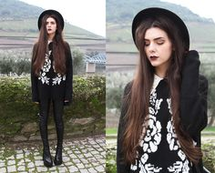 A Fabrica Dos Chapeus Hat, Mango Jumper, Leggings, Jeffrey Campbell Mulder - Roses are red violets are blue - Holynights Claudia