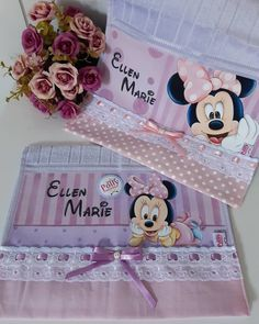 Minnie Mouse, Baby Disney, Fabric Crafts, Toy Chest, Stencils, Painting, Painting For Kids, Baby Painting, Cute Paintings
