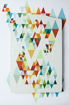 Geometric triangle art - I believe it's a cutting board but I can't read the lang. Claude Monet, Geometric Art, Geometric Designs, Geometric Patterns, Vincent Van Gogh, Graphic Patterns, Print Patterns, Graphic Design Illustration, Illustration Art