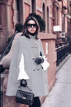 Valentino Rockstud Bag, Fashion Drawing Dresses, Viva Luxury, Cool Coats, Fashion Blogger Style, Love Her Style, Autumn Winter Fashion, Autumn Fall, Fashion Outfits