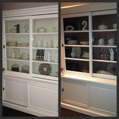 Verf de binnenkant van je buffetkast eens in een (donkere) contrastkleur, zo ontstaat er veel meer diepte. #DIY #interieuridee