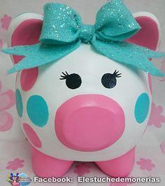 Alcancía de cerdito piggybank Pottery Painting, Ceramic Painting, Diy Painting, Art For Kids, Crafts For Kids, Pig Bank, Personalized Piggy Bank, Paper Mache Clay, Cute Piggies