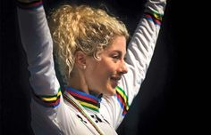 Jolanda Neff y Tiago Ferreira, nuevos Campeones del Mundo de Maratón Mountain Bike Action, Mountain Biking, Hannah Barnes, Dreadlocks, Hair Styles, Beauty, World Championship, Hair Plait Styles, Hair Looks