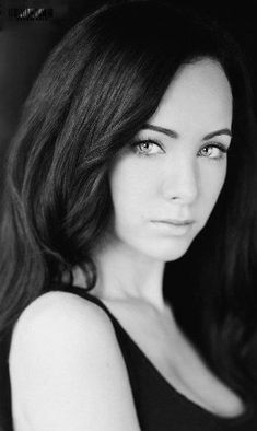 Ksenia Solo Tv Actors, Actors & Actresses, Kenzie Lost Girl, Gorgeous Eyes, Beautiful Women, Ksenia Solo, Rockabilly Cars, Beautiful Fantasy Art, Black And White Colour