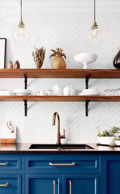 The Best 50 Blue Kitchens - That you Need to See. The Best 50 Blue Kitchens – That you Need to See. Kitchen Cabinets Decor, Cabinet Decor, Kitchen Paint, Home Decor Kitchen, New Kitchen, Home Kitchens, Blue Cabinets, Kitchen Backsplash, Kitchen White