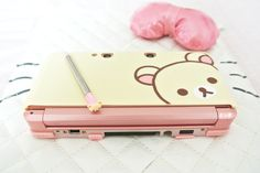 rilakkuma case and stylus! 3ds Case, Kawaii Games, Tout Rose, Mode Kawaii, Kawaii Room, Kawaii Accessories, Rilakkuma, Kawaii Cute, Sanrio