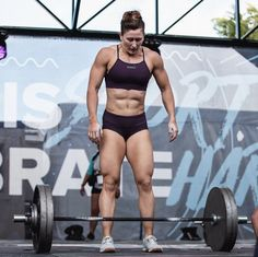 Female Crossfit Athletes, Crossfit Women, Wellness Fitness, Physical Fitness, Beautiful Athletes, Discipline, Fitness Motivation Pictures, Muscular Women, Workout Aesthetic
