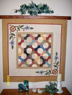 Bowtie and Applique, by Rhonda Byrd. Hand quilted