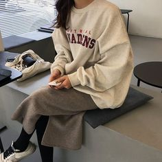 """""""Really not talked about but I think Asians have one of the best style, particularly Koreans"""" Ulzzang Fashion, Asian Fashion, Look Fashion, Winter Fashion, Street Fashion, High Fashion, Mode Outfits, Korean Outfits, Winter Outfits"""
