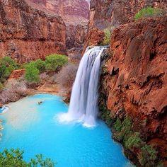 Havasu Falls, Arizona. Photo courtesy of globaltouring on Instagram.