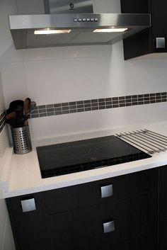 #diseño de #cocinas Diseño de cocinas en Pinto cocina moderna Roma wengue Silestone Mont blanc: