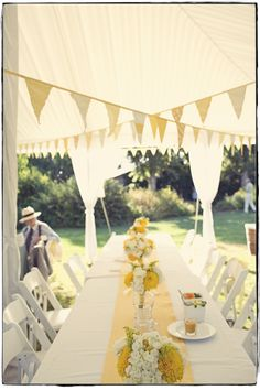 Yellow yellow beautiful yellow- this with a burlap runner and i'm set!