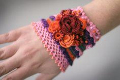 Romantic crochet bracelet with roses and amethyst by ellisaveta