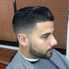 A really nice cut w/ a thicker chin strap....I like his style!!