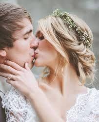 Αποτέλεσμα εικόνας για ρομαντικα χτενισματα για κοντα μαλλια