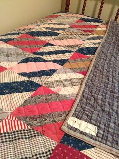 Beautiful vintage quilt, and it has a label! Old Quilts, Antique Quilts, Scrappy Quilts, Vintage Quilts, Primitive Quilts, Plaid Quilt, String Quilts, Traditional Quilts, Quilting Designs