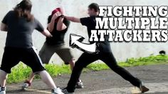Muay Thai for self-defense: how effective is Thai kickboxing on the street? Fight Techniques, Martial Arts Techniques, Self Defense Techniques, Self Defense Martial Arts, Self Defense Tips, Martial Arts Training, Aikido, Jiu Jitsu, Mma