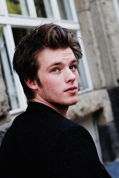 Gideon de Villiers.- Jannis Nienhower  Rubinrot Isn't he the cutest!? My Gideon :) <3