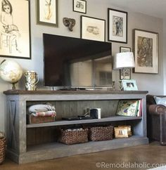 Use one of these free DIY TV stand plans for your own entertainment center for your flatscreen TV. All plans include complete building instructions. Furniture Projects, Home Projects, Furniture Stores, Diy Furniture Tv Stand, Tv Furniture, Cheap Furniture, Luxury Furniture, Furniture Makeover, Modern Furniture