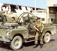 found by m kennedy Bobby Sands, Landrover Series, Army Police, Army Post, Army Day, Military Pictures, Land Rovers, Ol Days
