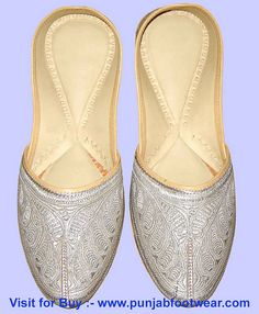 #men's khussa shoes  1 minutes turned into a beautiful woman    http://itcomputertechniciansalary.com