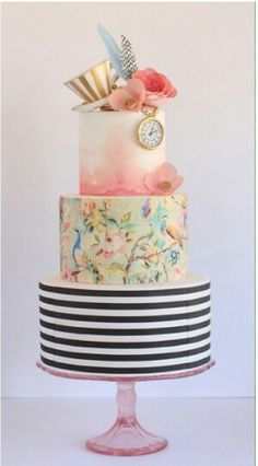 Hochzeitstorten obst Hand-Painted Wedding Cakes You Have To See - Watercolour wedding cakes Gorgeous Cakes, Pretty Cakes, Cute Cakes, Amazing Cakes, Fondant Cakes, Cupcake Cakes, Cake Paris, Decors Pate A Sucre, Alice In Wonderland Cakes