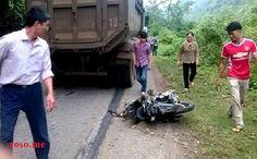 Ô tô va chạm xe máy, 2 thanh niên tử vong tại chỗ