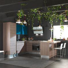 Cucina moderna con penisola lube cucine pinterest industrial style kitchen and kitchens - Prevenire in cucina mangiando con gusto ...