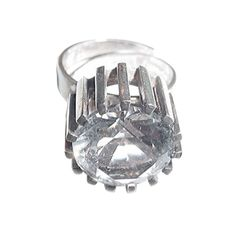 Bengt Hallberg Sweden vintage sterling and rock crystal ring Jewelry Ideas, Jewelry Rings, Jewelry Design, Modern Jewelry, Fine Jewelry, Crystal Ring, Vintage Modern, Ring Earrings, Vintage Rings