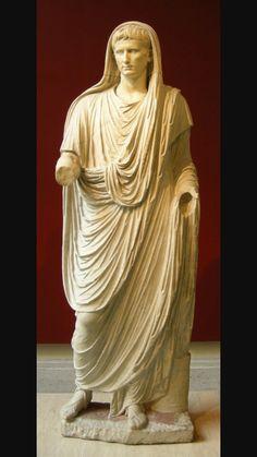Augusto di via Labicana, I secolo d.C. Marmo a tutto tondo.Da via Labicana.Oggi conservato presso Museo Nazionale Romano.