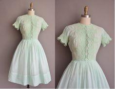 50s mint cotton vintage embroidered dress / vintage 1950s dress