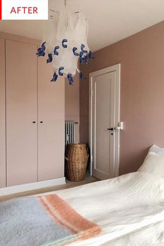 This IKEA hack takes a boring PAX wardrobe to a new level with a coat of blush paint. Ikea Wardrobe Hack, Ikea Pax Hack, Wardrobe Makeover, Diy Wardrobe, Wardrobe Doors, Bedroom Wardrobe, Ikea Hacks, Closet Doors Painted, Painted Wardrobe