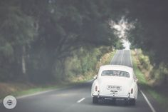 Poniendo rumbo al fin de semana. ¡Feliz viernes! #fotografía #boda #Lugo #bodasMBC #MBCEventos #Galicia #wedding #weddingphoto #cochedeboda #findesemana #weddingcar #weekend