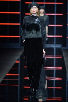 See all the looks from the show Power Series, Fall Trends, Emporio Armani, Fashion News, Fall Winter, Normcore, Textiles, Luxury, Photos