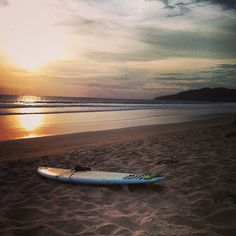 Sunset surf #eidon #surf #eidonsurf #costarica #tbt #surfboard #surfer #ocean #beach #waves #water #love #sunset #sea #sky #livetravelsurf #instamood