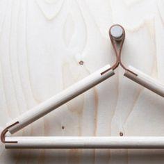 hanger wood and leather design Scandinavian Living, Scandinavian Design, Scandinavian Interiors, Coat Hanger, Clothes Hanger, Hangers, Furniture Decor, Furniture Design, Plywood Furniture