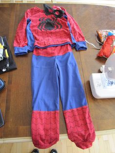 #spiderman costume #diy with photos and detailed instructions.  Perfect! #halloween