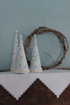 little paper Christmas trees