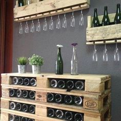 Wine rack made of pallets- Weinregal aus Paletten Pallet-pallet furniture made of europallets - Bar Pallet, Pallet Wine, Outdoor Pallet, Diy Bar, Bar A Vin, Diy Cutting Board, Diy Pallet Projects, Pallet Ideas, Wood Projects