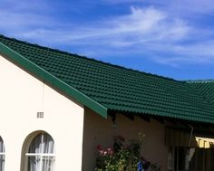 Gutters on a house Seamless Gutters, Outdoor Decor, House, Home Decor, Homemade Home Decor, Haus, Interior Design, Home Interiors, Homes