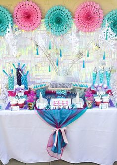 Disney's Frozen themed birthday party full of ideas! Via KarasPartyIdeas.com #frozen #frozenparty (18) Frozen Themed Birthday Party, Disney Frozen Birthday, Disney Frozen Party, 4th Birthday Parties, Birthday Ideas, 5th Birthday, Girl Parties, Disney Parties, Birthday Cake